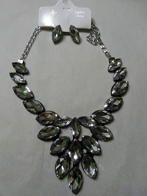 Elegant  Diamond  set