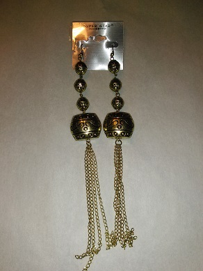 DIVA Inspired long chain earrings-gold