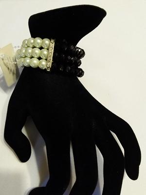 Bead white/black
