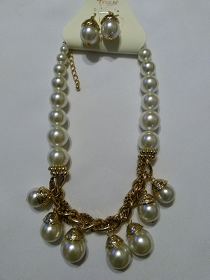 Pearl/gold set