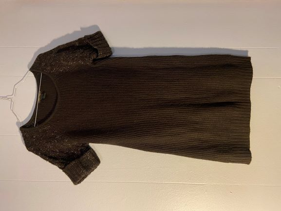 Brown long sweater w/ gold sparkle sleeves