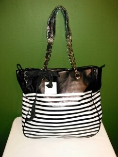 All occassion Faux leather tote-B/W