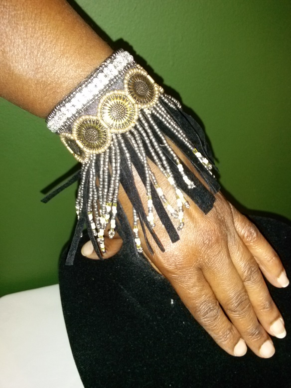 Indian inspired bracelet-beaded black